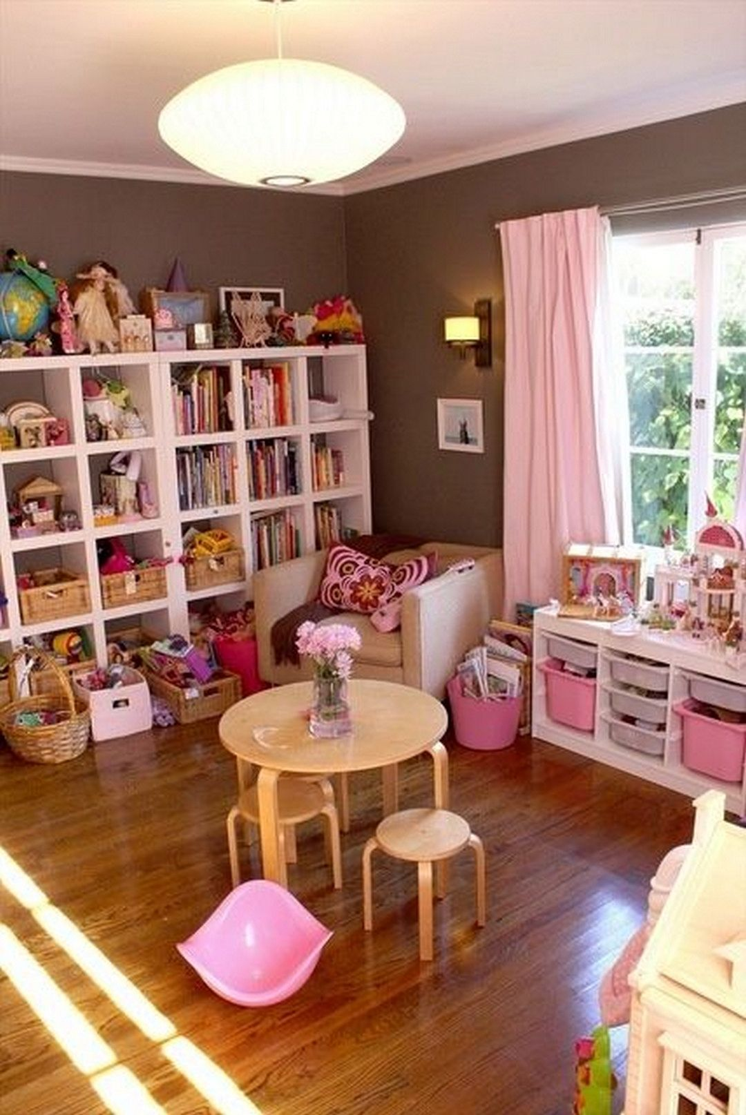 10 Creative Toy Storage Tips For Your Kids | Playroom | Sala De