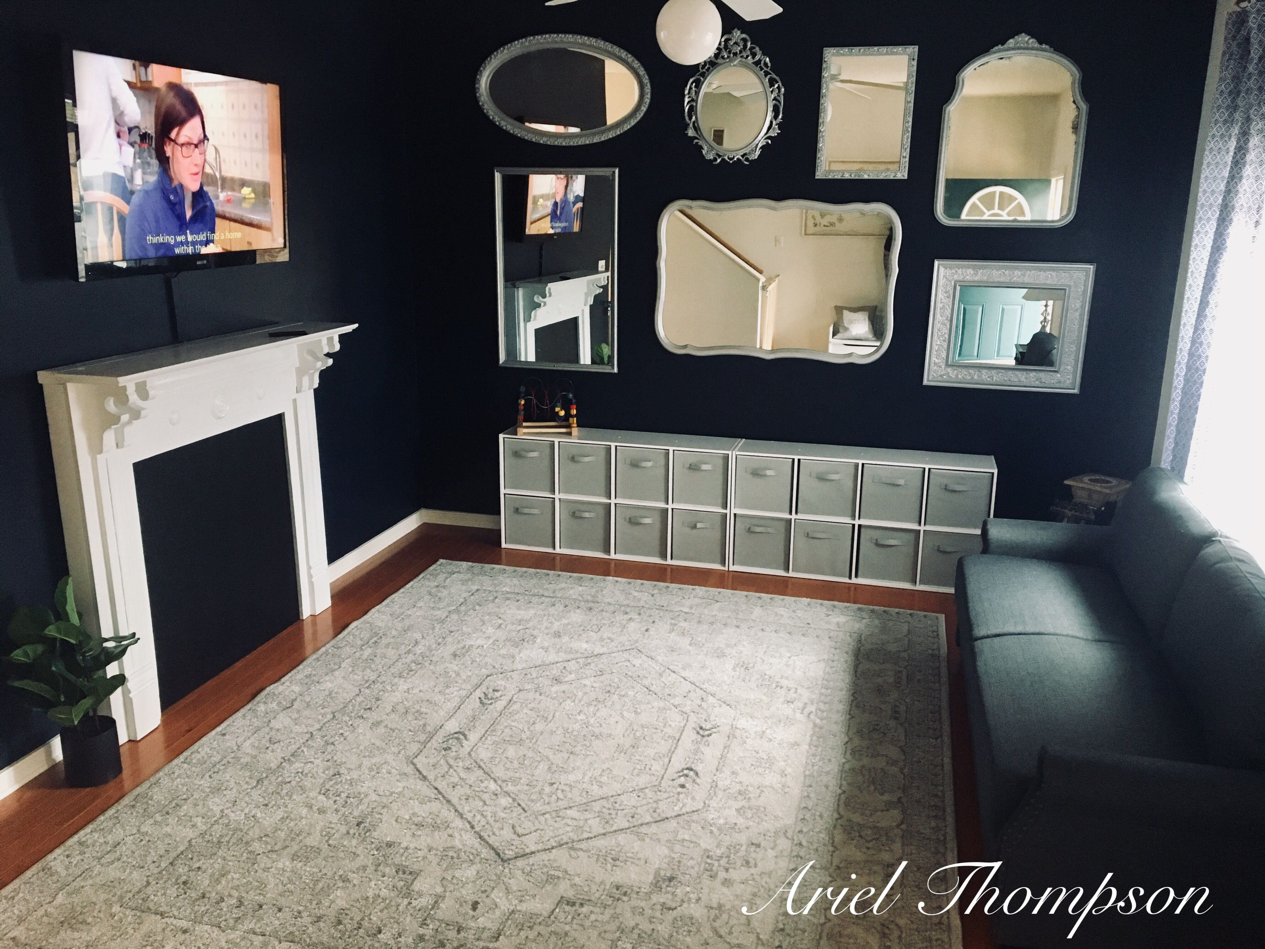 Playroom/ Living Room -mirror Wall, Cube Storage For Toys
