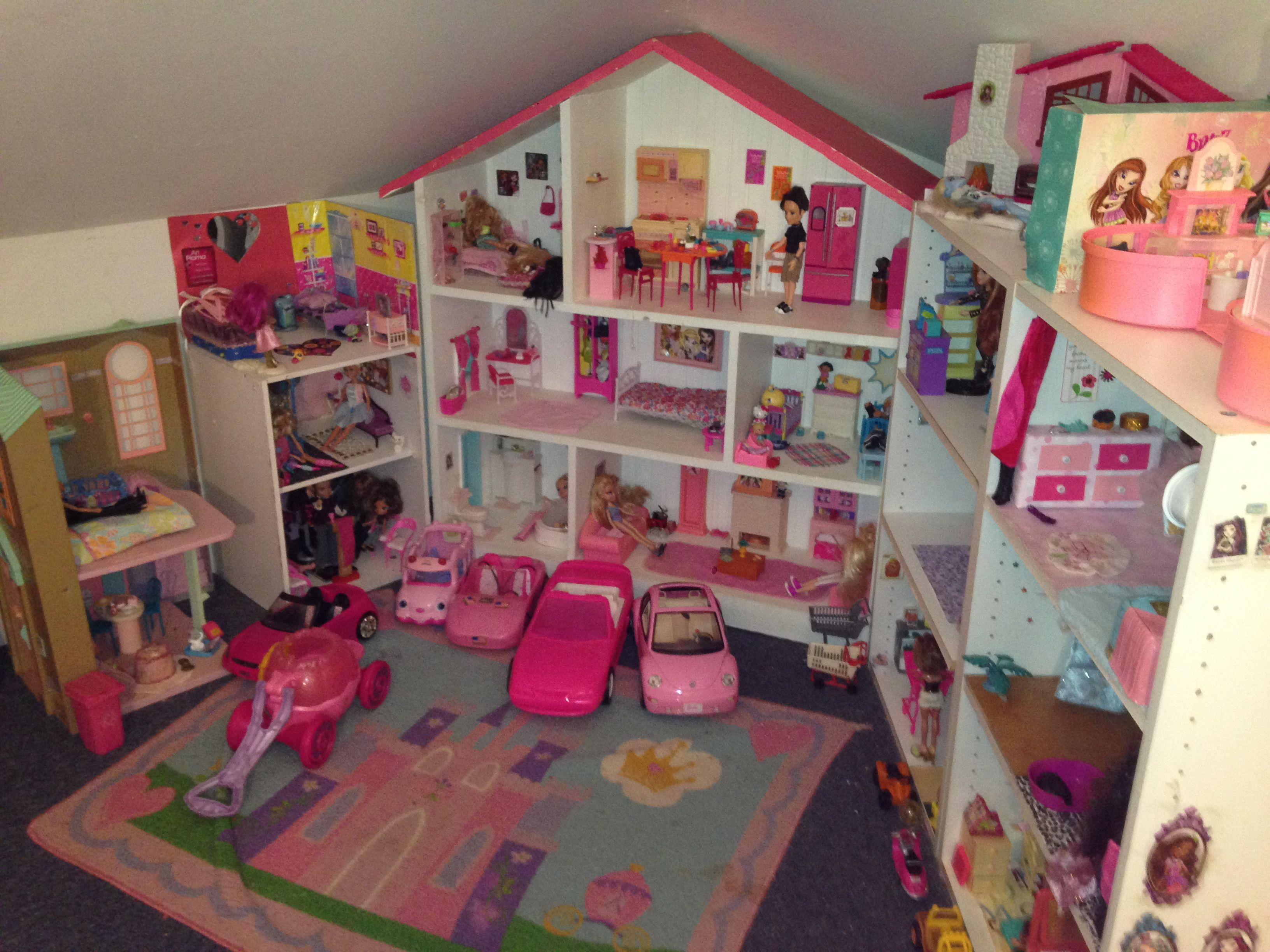 Playroom Dollhouse Update: View Of Barbie Townhouse, Novi