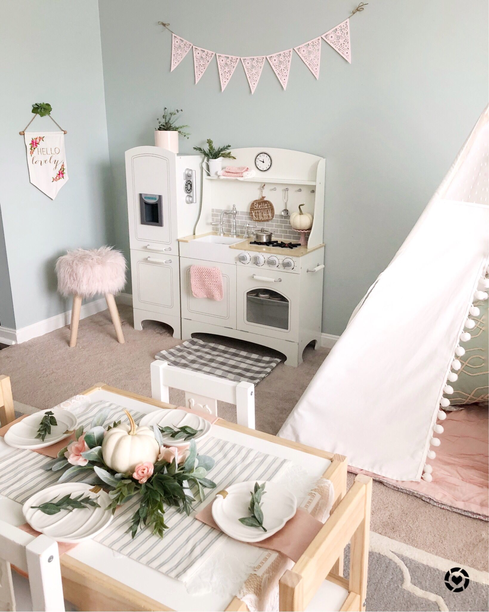 Playroom Decorated For Fall, Teepee, Girl Style, Pink