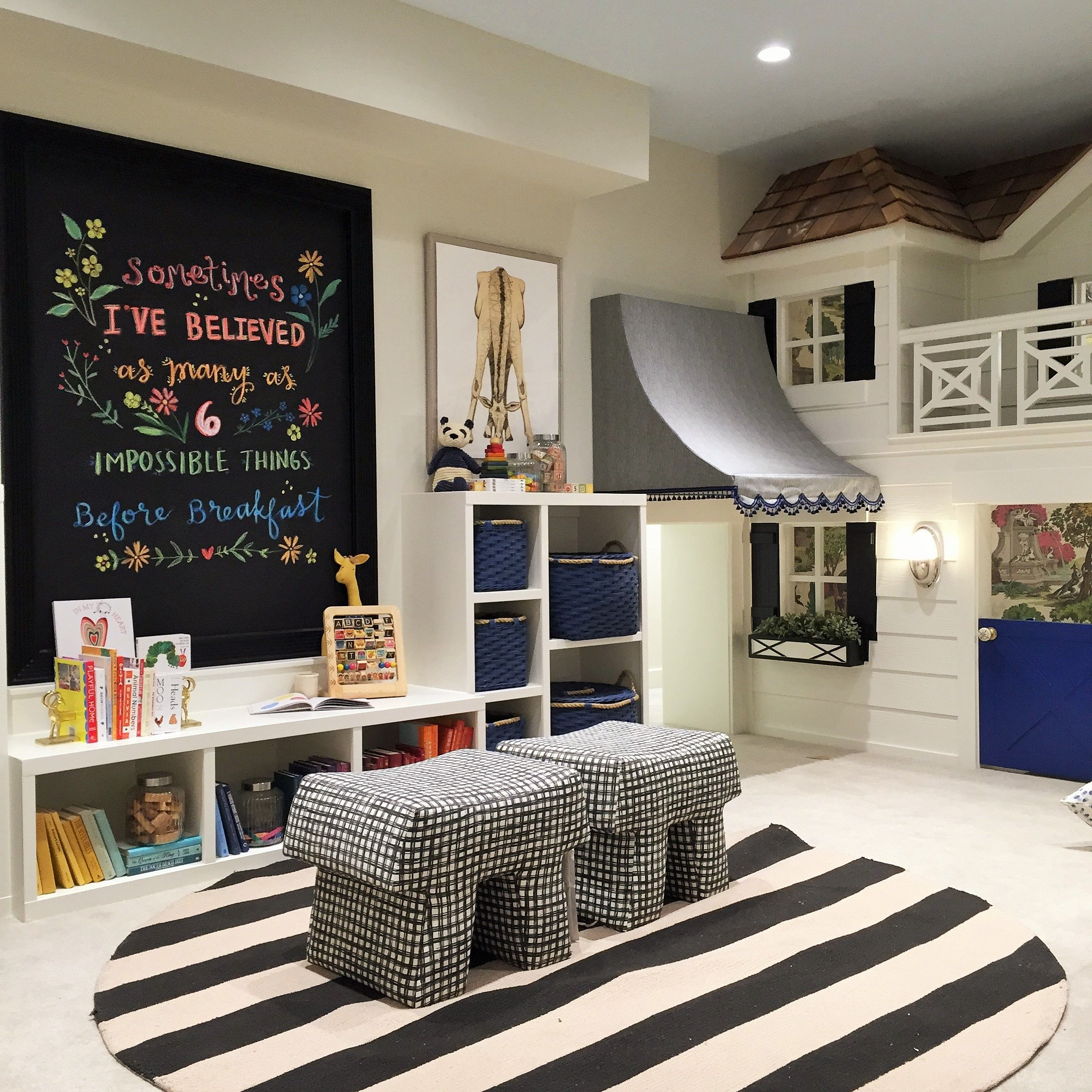 Alice Lane Home Collection   Kids' Playroom With Black, White And